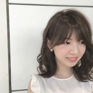 外国人風 アッシュ ゆるふわ 大人かわいい ヘアスタイルや髪型の写真・画像