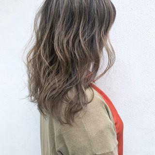 ミルクティーグレージュ ナチュラル ハイトーンカラー ミルクティーベージュ ヘアスタイルや髪型の写真・画像