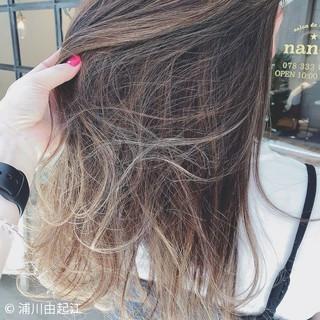 ロング ゆるふわ グラデーションカラー 大人かわいい ヘアスタイルや髪型の写真・画像