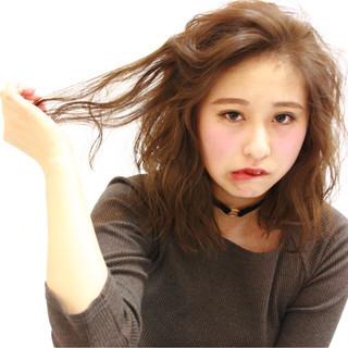 ハイライト ミディアム 冬 ゆるふわ ヘアスタイルや髪型の写真・画像