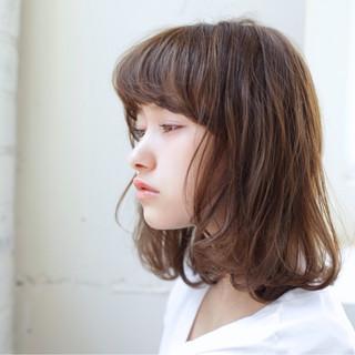 ミディアム 女子会 リラックス アンニュイ ヘアスタイルや髪型の写真・画像