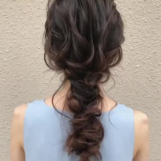 ヘアアレンジ ナチュラル セミロング アンニュイほつれヘア ヘアスタイルや髪型の写真・画像