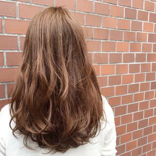外国人風 アッシュ ハイライト ロング ヘアスタイルや髪型の写真・画像 ヘアスタイルや髪型の写真・画像