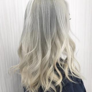 ハイトーン グレージュ ハイライト モード ヘアスタイルや髪型の写真・画像