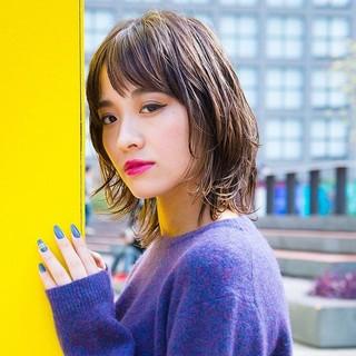 阿藤俊也 ヘルシーミディ ウルフカット ミディアム ヘアスタイルや髪型の写真・画像