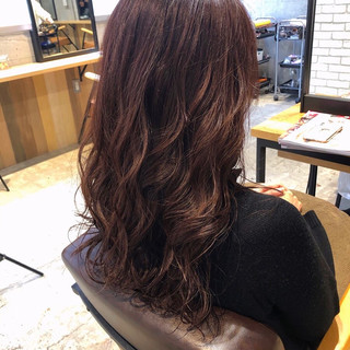 ロング ブラウンベージュ ラベンダーピンク ベージュ ヘアスタイルや髪型の写真・画像