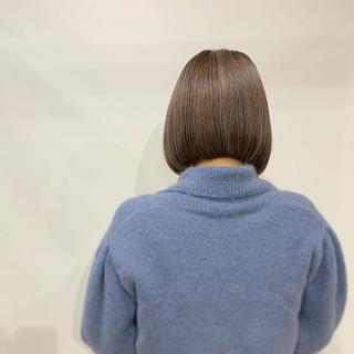 ボブ ミニボブ 切りっぱなしボブ ミルクティーベージュ ヘアスタイルや髪型の写真・画像