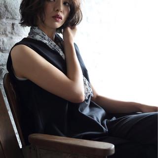 フェミニン 暗髪 モード ボブ ヘアスタイルや髪型の写真・画像 ヘアスタイルや髪型の写真・画像