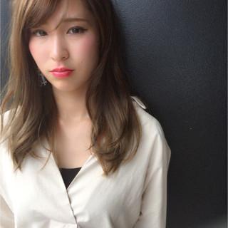 ミディアム 大人女子 アンニュイ フェミニン ヘアスタイルや髪型の写真・画像