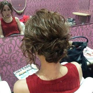 編み込み ミディアム ヘアアレンジ ポンパドール ヘアスタイルや髪型の写真・画像