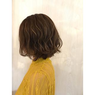 イルミナカラー ナチュラル アッシュ ハイライト ヘアスタイルや髪型の写真・画像