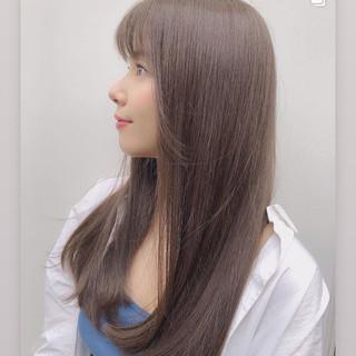 ミルクティーグレージュ ロング オリーブグレージュ ラベンダーグレージュ ヘアスタイルや髪型の写真・画像