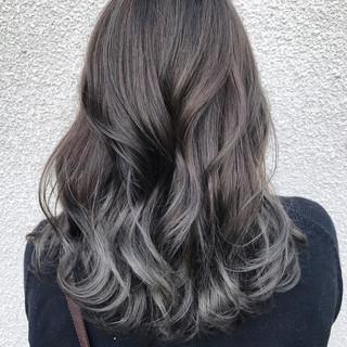ロング アッシュ グラデーションカラー 外国人風カラー ヘアスタイルや髪型の写真・画像
