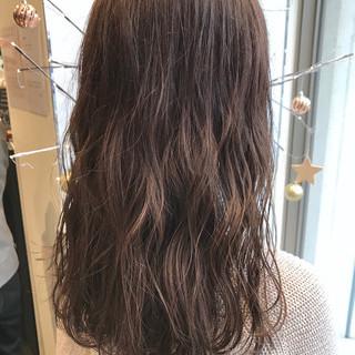 ヌーディベージュ 外国人風カラー セミロング ハイライト ヘアスタイルや髪型の写真・画像