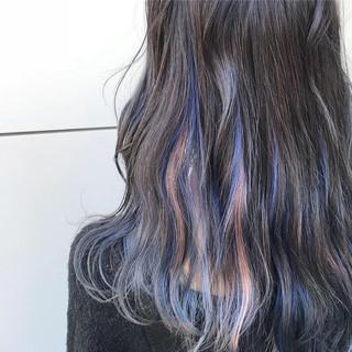 ストリート インナーカラー ピンク セミロング ヘアスタイルや髪型の写真・画像