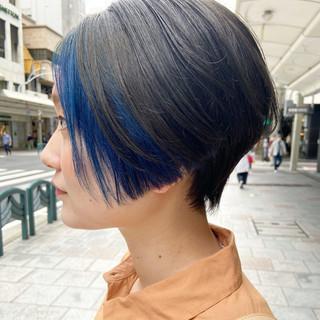 ボブ ブルー ブリーチカラー ブルーアッシュ ヘアスタイルや髪型の写真・画像