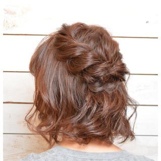 パーティ ねじり ヘアアレンジ ショートボブ ヘアスタイルや髪型の写真・画像