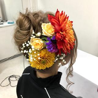 セミロング 成人式 フェミニン お団子ヘア ヘアスタイルや髪型の写真・画像