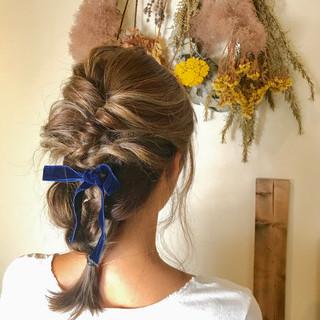 ガーリー 簡単ヘアアレンジ ハイライト セミロング ヘアスタイルや髪型の写真・画像