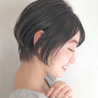 ハンサムショート パーマ 小顔ショート ショートバング ヘアスタイルや髪型の写真・画像 ヘアスタイルや髪型の写真・画像