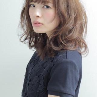 ミディアム モテ髪 ゆるふわ ナチュラル ヘアスタイルや髪型の写真・画像
