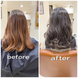 ラベンダーグレージュ ダークグレー ミディアム グレージュ ヘアスタイルや髪型の写真・画像