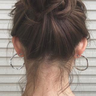 オフ アンニュイほつれヘア お団子 簡単ヘアアレンジ ヘアスタイルや髪型の写真・画像