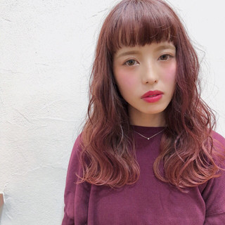 ピンク ミディアム 外国人風 ガーリー ヘアスタイルや髪型の写真・画像