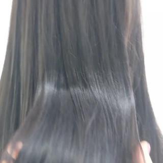 グレージュ イルミナカラー アッシュ ロング ヘアスタイルや髪型の写真・画像