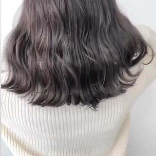 ハイトーン ダークグレー ダークカラー ダブルカラー ヘアスタイルや髪型の写真・画像