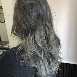 外国人風カラー バレイヤージュ グレージュ ハイライト ヘアスタイルや髪型の写真・画像