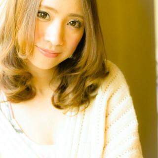 艶髪 上品 フェミニン パーマ ヘアスタイルや髪型の写真・画像