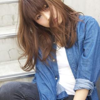 フリンジバング 透明感 外国人風 ミディアム ヘアスタイルや髪型の写真・画像