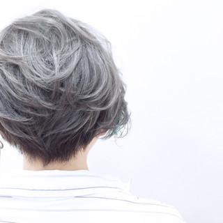 ストレート 外国人風 ハイライト ストリート ヘアスタイルや髪型の写真・画像 ヘアスタイルや髪型の写真・画像