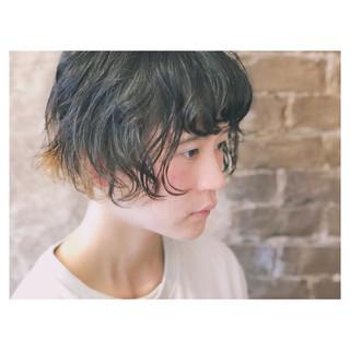 個性的 小顔 スポーツ パーマ ヘアスタイルや髪型の写真・画像 ヘアスタイルや髪型の写真・画像