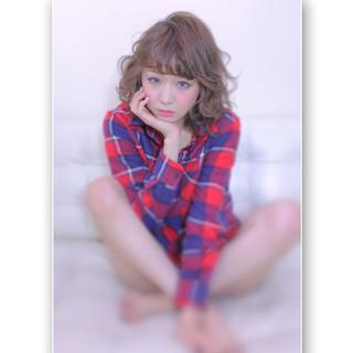 フェミニン ミディアム ストリート 大人かわいい ヘアスタイルや髪型の写真・画像
