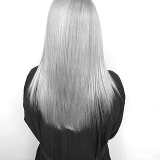 ホワイトグレージュ シルバー ナチュラル ロング ヘアスタイルや髪型の写真・画像