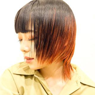 レッドカラー モード ショート ウルフカット ヘアスタイルや髪型の写真・画像