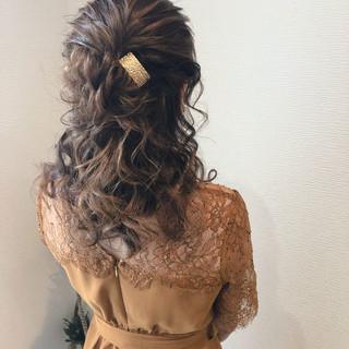 結婚式 ハーフアップ ヘアセット ねじり ヘアスタイルや髪型の写真・画像