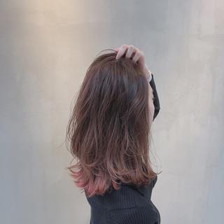 外国人風カラー ハイトーン ミディアム ラズベリーピンク ヘアスタイルや髪型の写真・画像