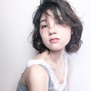 デート 外国人風 パーマ 黒髪 ヘアスタイルや髪型の写真・画像