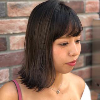 ロブ グレージュ ナチュラル 外ハネ ヘアスタイルや髪型の写真・画像 ヘアスタイルや髪型の写真・画像