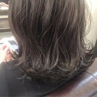 ナチュラル ハイライト グレージュ アッシュ ヘアスタイルや髪型の写真・画像