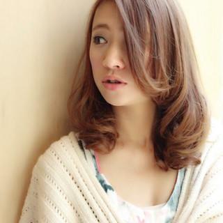 セミロング 大人かわいい ミルクティー ヘアアレンジ ヘアスタイルや髪型の写真・画像