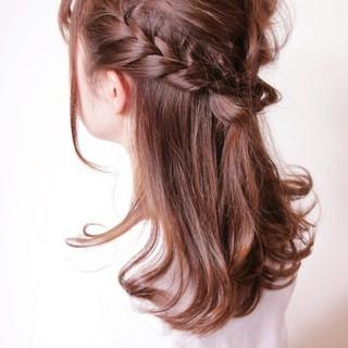 編み込み ミディアム ハーフアップ リラックス ヘアスタイルや髪型の写真・画像 ヘアスタイルや髪型の写真・画像