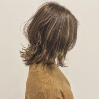 ミディアム 冬 エレガント 上品 ヘアスタイルや髪型の写真・画像 ヘアスタイルや髪型の写真・画像