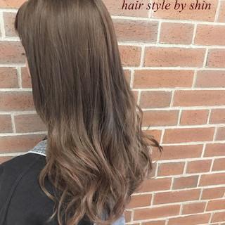 ナチュラル ロング アウトドア 女子会 ヘアスタイルや髪型の写真・画像 ヘアスタイルや髪型の写真・画像