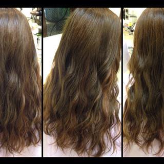 ゆるふわ アッシュ ハイライト 暗髪 ヘアスタイルや髪型の写真・画像