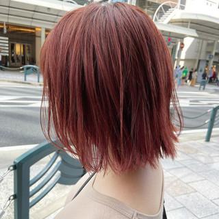 カシスレッド ミディアム レッドカラー チェリーレッド ヘアスタイルや髪型の写真・画像