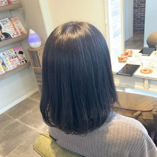 ナチュラル ブルーバイオレット 暗髪 暗色カラー ヘアスタイルや髪型の写真・画像